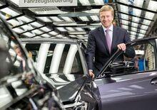 La nuova BMW di Zipse (in)segue Mercedes e rivaleggia con Tesla, parola di CEO