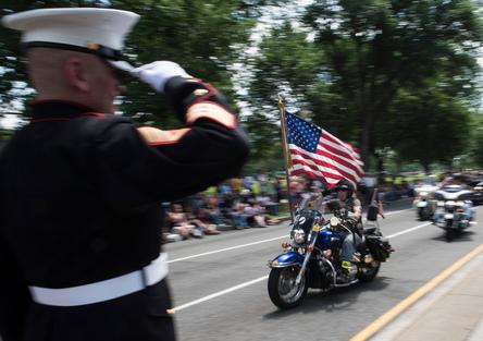 La parata in moto dei veterani è salva. Trump ringrazia