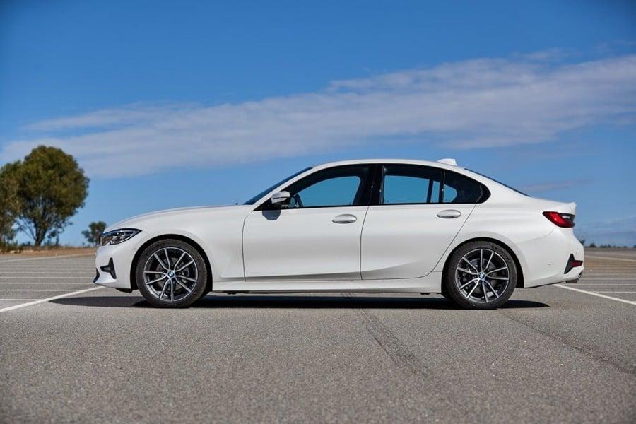 BMW Serie 3 330i xDrive Sport (2)