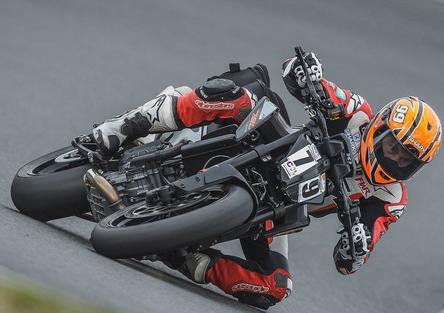 E se la prossima KTM Duke fosse 890?