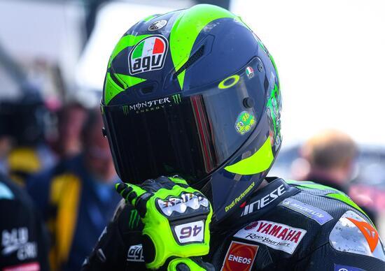Silverstone, Marquez in pole davanti a Valentino Rossi