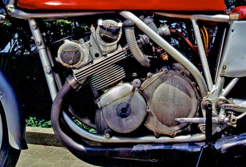 La MV Agusta 500 a 4 cilindri (8)