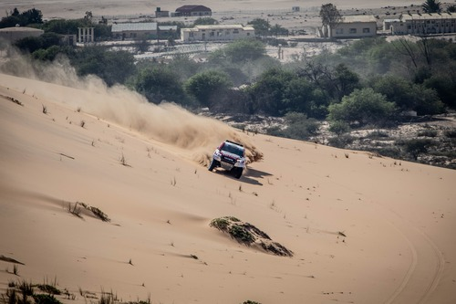 Dakar 2020: Alonso completa i test con Toyota (4)