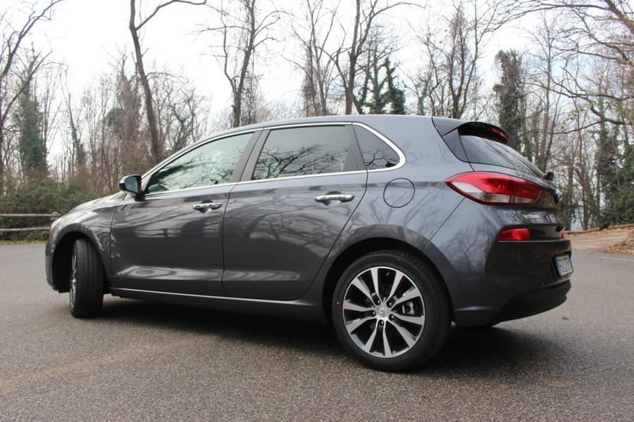 Hyundai i30 (2017->>) (4)