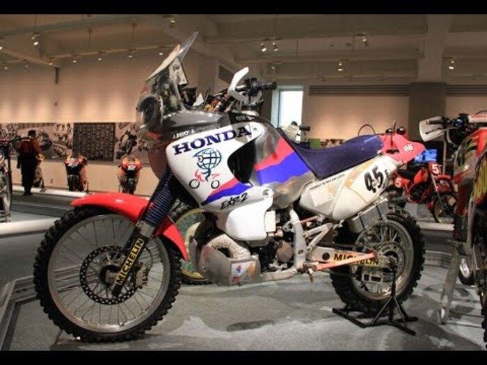 La Honda EXP-2 400 a 2 tempi. Pesava 155 kg e aveva 56 cv. Corse nel 1995