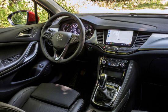 Gli interni della Opel Astra 2019