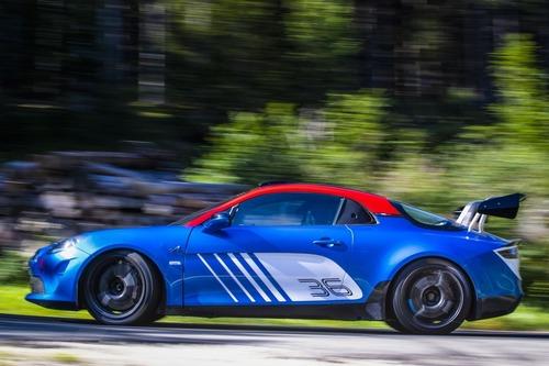 Alpine A110 Rally, 300 CV per correre come ai vecchi tempi (5)