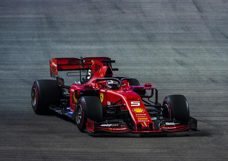 F1, GP Singapore 2019: vince Vettel. Secondo Leclerc: è doppietta Ferrari