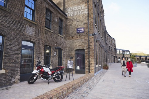 Moto Guzzi V7 Tomoto al London Design Festival  (2)
