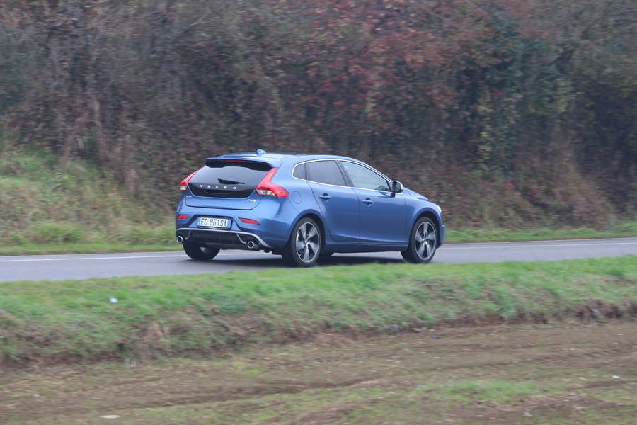 Volvo V40 T2 Geartronic Business Plus (4)