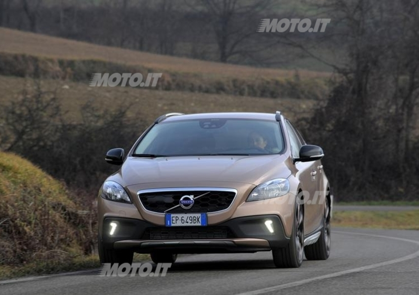 Volvo V40 Cross Country D2 Geartronic Business Plus (3)