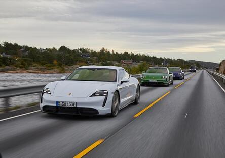 Porsche Taycan: prova della Turbo S da 761 CV [Video]