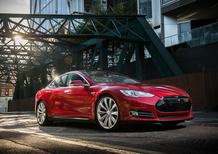 Tesla, la V10 del software consente il parcheggio a distanza