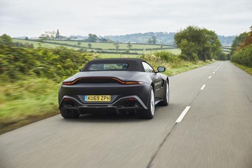 Aston Martin Vantage Roadster 2020: ecco come sarà (2)
