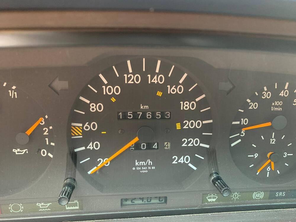 200 e cabrio d'epoca del 1994 a Imola (2)