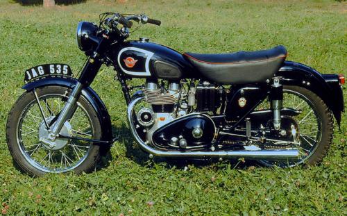 La grande scuola delle moto inglesi (2)