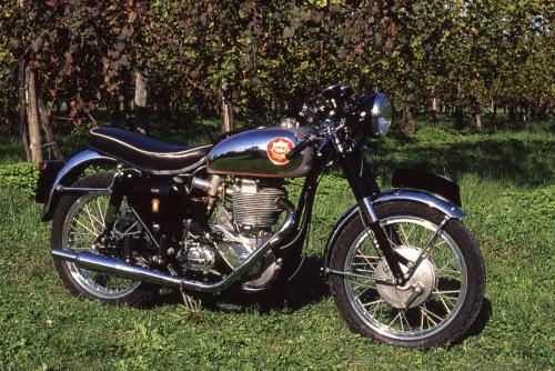 La grande scuola delle moto inglesi (8)