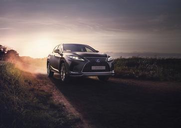 Lexus RX 450h 2019: piccolo lifting per il primo SUV al mondo [Video]
