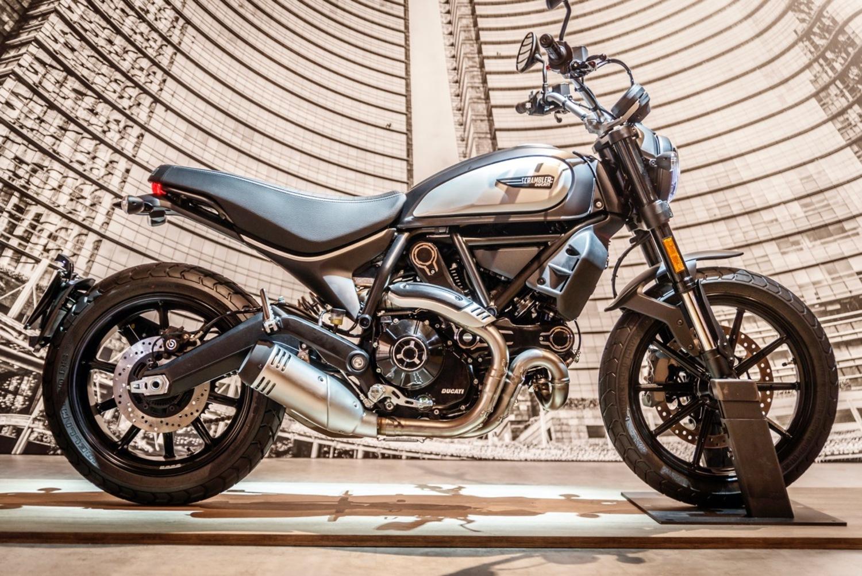Ducati Scrambler Icon Dark: foto, dati e prezzi