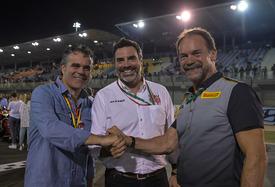 Da sin. a ds.: Roberto Righi (Pirelli), Marc Saurina (Dorna), Giorgio Barbier (Pirelli)