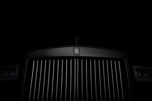Rolls-Royce Cullinan Black Badge, look total black per il SUV di lusso (5)
