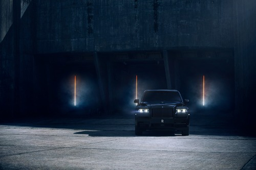 Rolls-Royce Cullinan Black Badge, look total black per il SUV di lusso