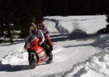 Wrooom 2012: Rossi in sella alla Desmosedici sulla neve!