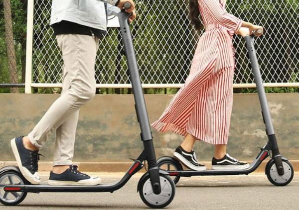 Monopattini elettrici equiparati alle biciclette: la micromobilità parte ufficialmente