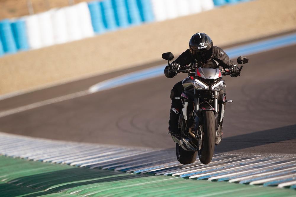 Nuova Triumph Speed Triple 1200 RS, LE FOTO - InMoto