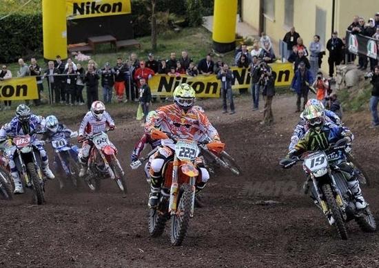 Mondiale Motocross al via. Tutti a caccia di Cairoli