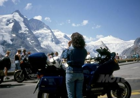 La moto provoca il priapismo? Negli Usa fanno causa a BMW