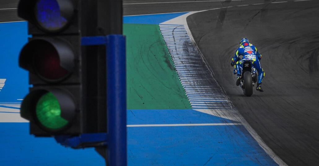 MotoGP, al via l'operazione porte chiuse