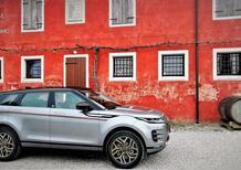 Castagna Evoque WoodFabric: a Milano si personalizza (col legno malleabile) la Range Rover