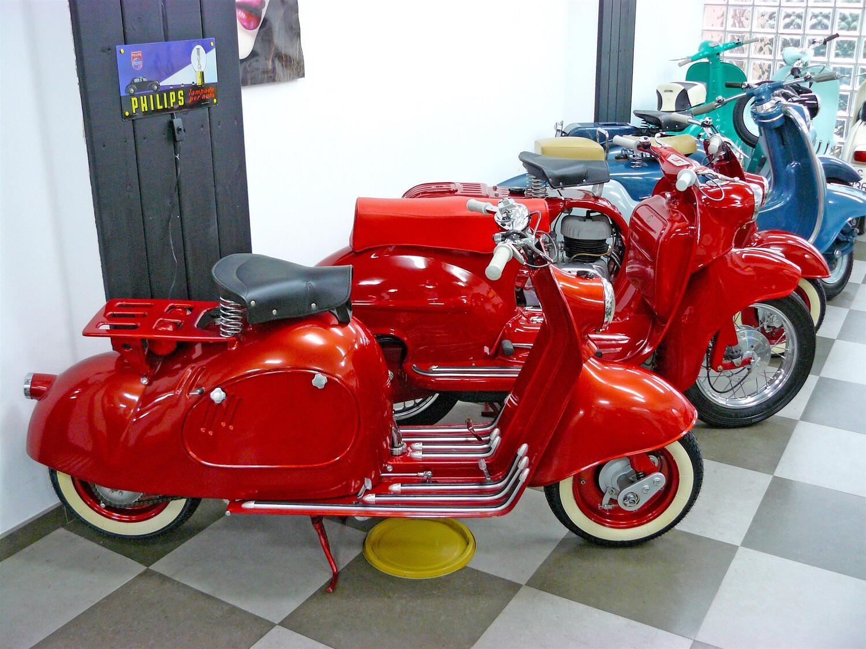 Gli scooter dimenticati. Italiani e non