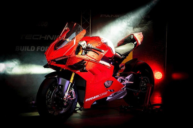 Ducati e LEGO: a Modena debutta la Panigale V4R