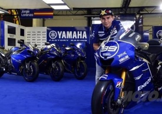 Livrea Race Blu per le Yamaha. MotoGP e di serie