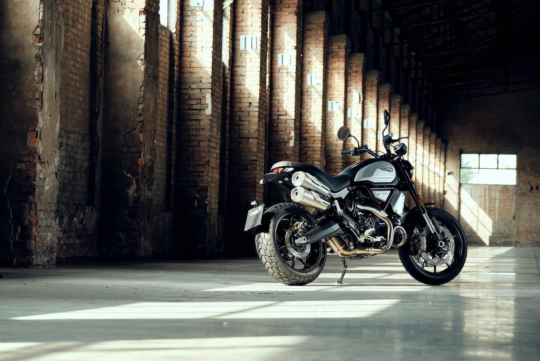 Ducati Scrambler 1100 Dark Pro, nuova livrea per l'ammiraglia
