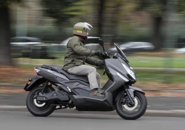 Jonway MJS-E Sport. Lo scooterone elettrico da 130 km/h