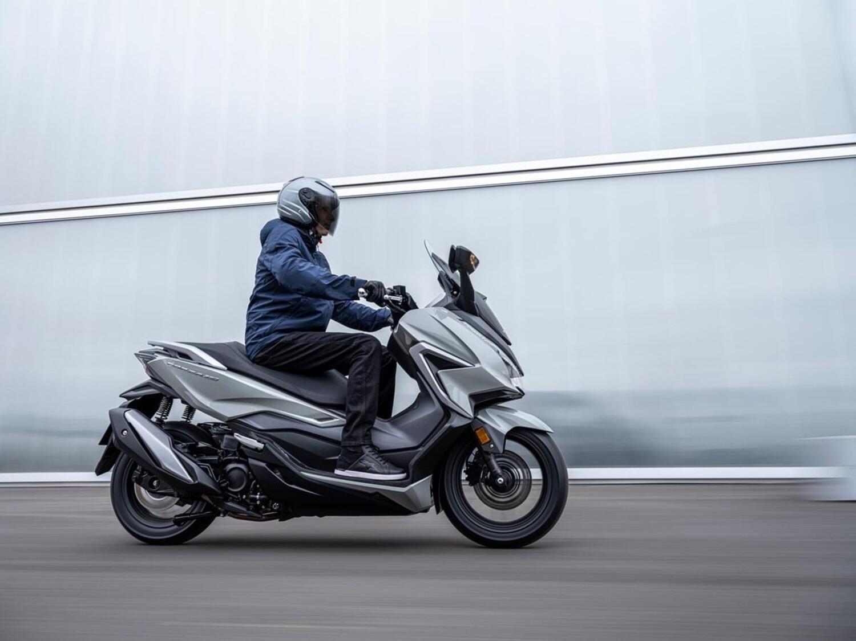 Honda Forza 350: per il 2021 crescono la cilindrata e l'equipaggiamento