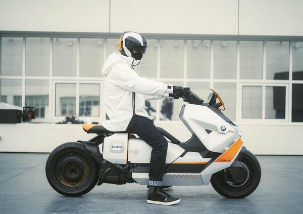 Definition CE 04. Il prossimo scooter elettrico BMW?