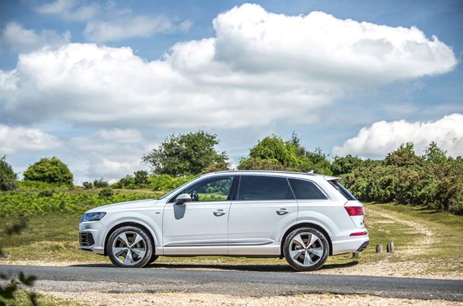Audi Q7 e-tron 3.0 TDI quattro tiptronic Business Plus (2)
