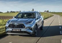 Toyota Highlander 2021, Prova del Maxi SUV ibrido a 7 posti [video]