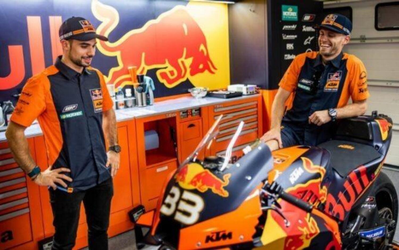 KTM MotoGP: prime foto da compagni di squadra per Brad Binder e Miguel Oliveira
