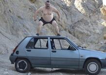 Il video più distruttivo per la mitica Renault 5 [Vietato amanti Nouvelle Vague]