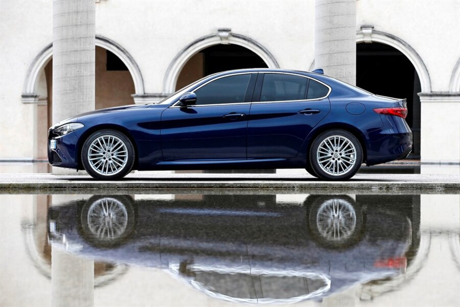 Alfa Romeo Giulia (2016->>) (4)