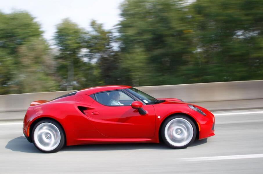 Alfa Romeo 4C (2013->>) (3)