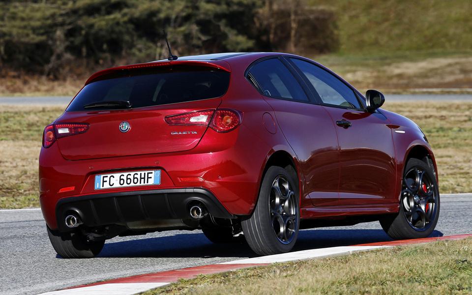 Alfa Romeo Giulietta 1.4 Turbo MultiAir TCT Sport (2)