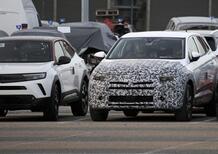 Opel Grandland, in arrivo il restyling senza X. Le foto spia