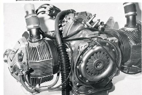 Motore monoalbero da competizione per auto. 700 cm3, condotti verticali, anno 1962