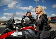 La bella Stephanie: da Barcellona a Firenze con la Bmw R1200GS